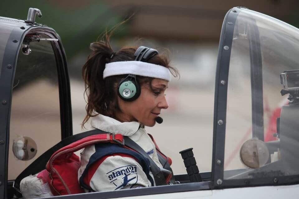 Dorine Bourneton première femme aviatrice paraplégique, conférencière sur la diversité et le handicap en entreprise et dans le sport de haut niveau, au sein de l'équipe WeChamp