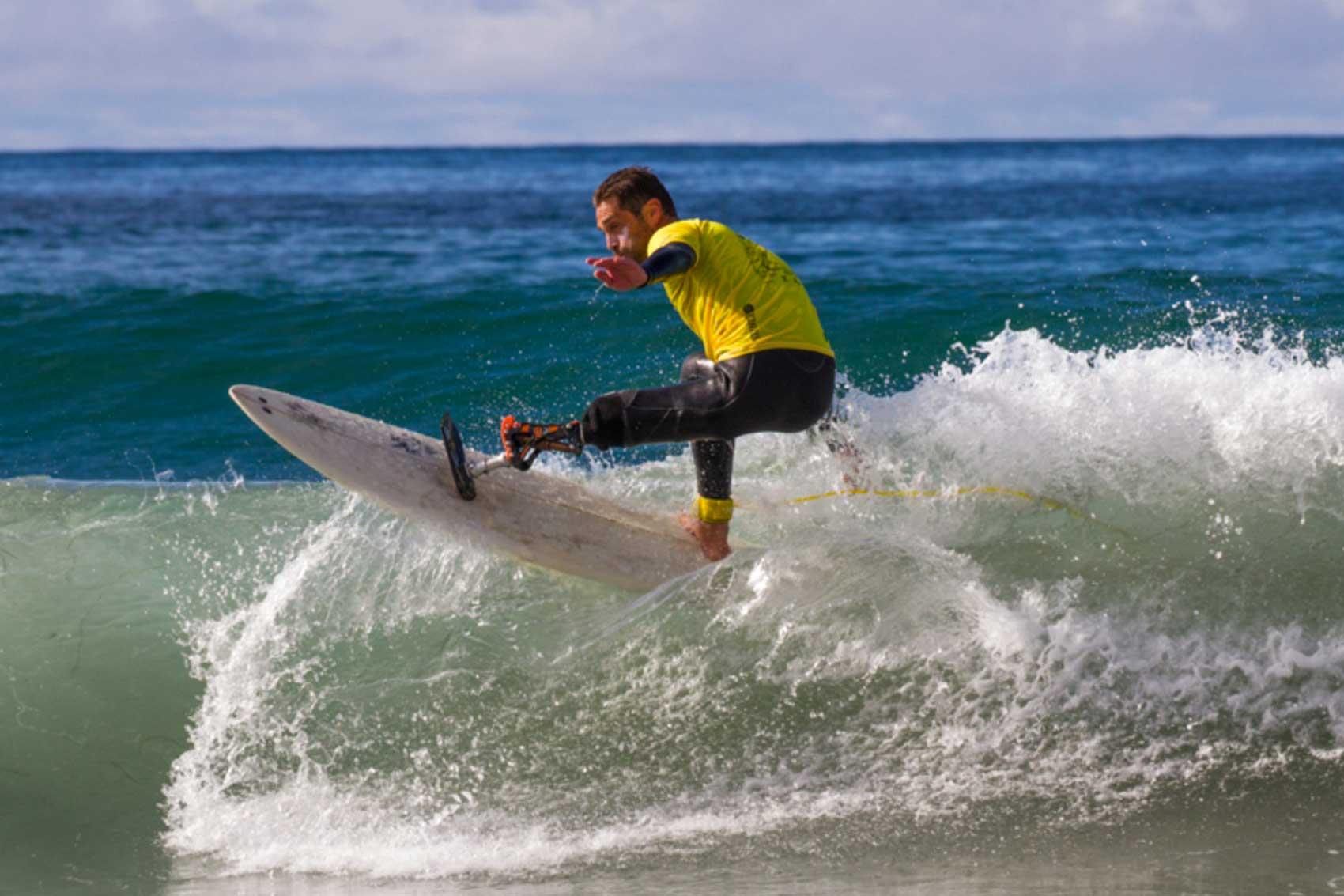 Eric dargent surfeur de haut niveau, conférencier sportif sur la diversité et le handicap en entreprise, au sein de l'équipe WeChamp, conférencier semaine du handicap