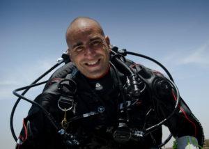 Ahmed Gabr est un plongeur professionnel égyptien, conférencier dans l'équipe WeChamp Ahmed intervient auprès d'entreprise pour leur délivrer un message motivant et inspirant
