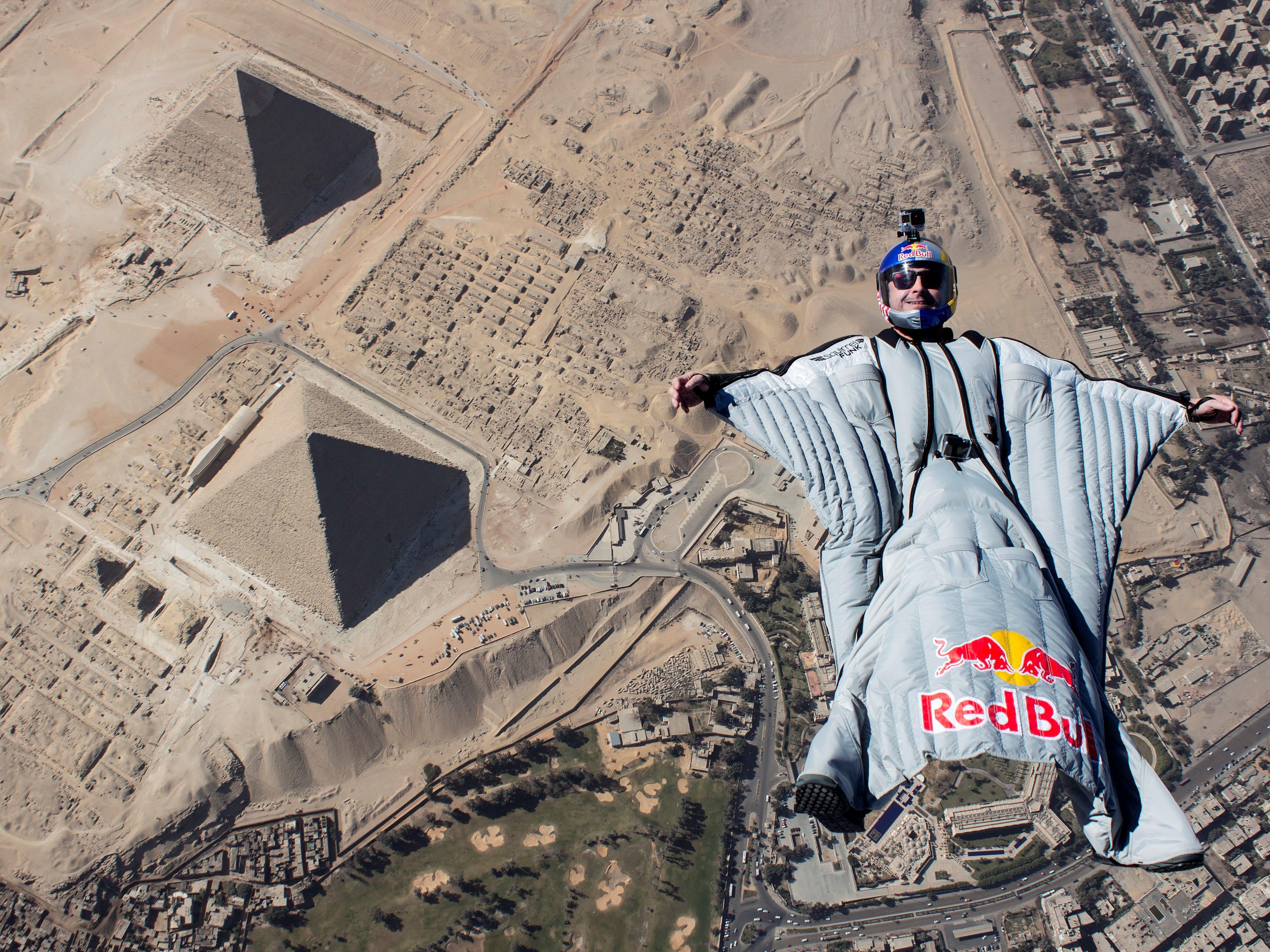 Cédric Dumont parachute WeChamp