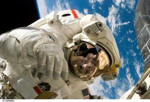 Choisir un conferencier astronaute
