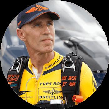 Yves-Rossy-jetman-pilote-militaire-conférencier